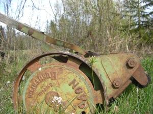 Gammal gräsklippare, handjagar-modell. Husqvarna made in Sweden! 425kb